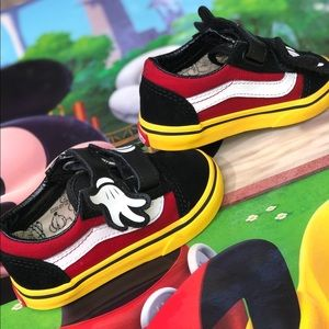 6C TODDLER VANS MICKEY MOUSE HUGS